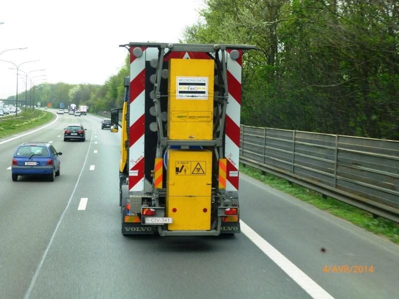 Camion pour signalisation sur autoroute Papy_497