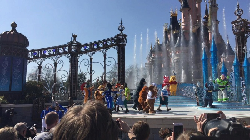 25° Anniversario di Disneyland Paris - Pagina 28 0711