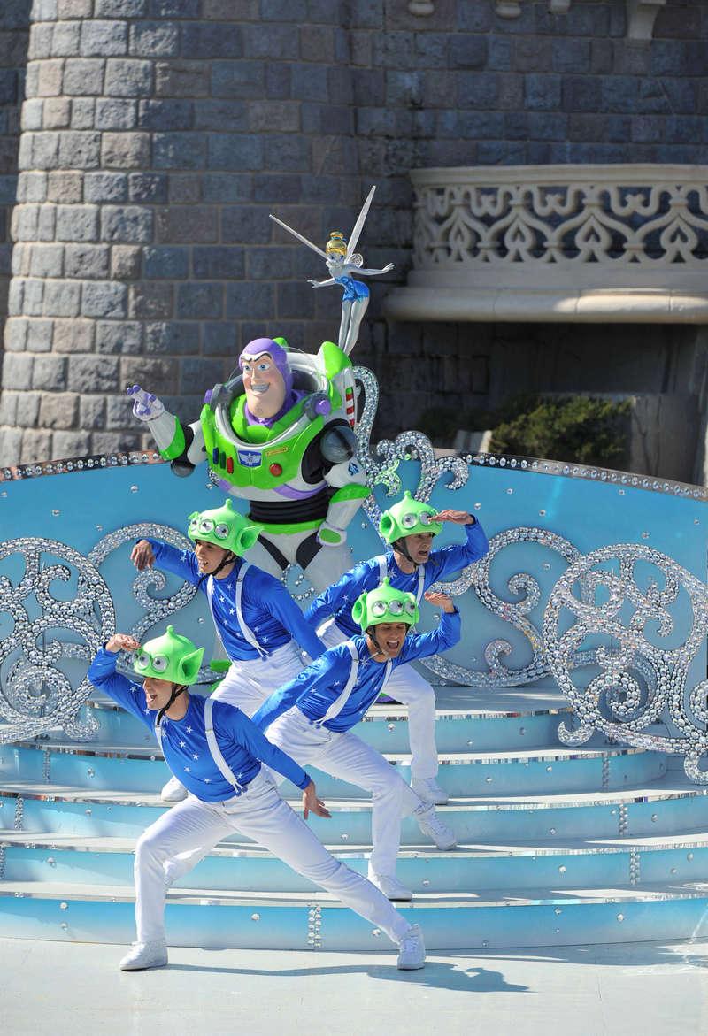 25° Anniversario di Disneyland Paris - Pagina 29 1cd_4012