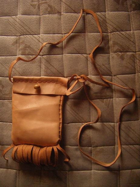 [tannage - travail du cuir] faire des bottes avec une peau de chevreuil Dscf2810