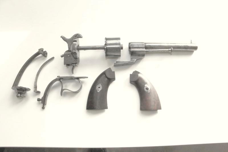 Un revolver 1858 de marine Img_3623