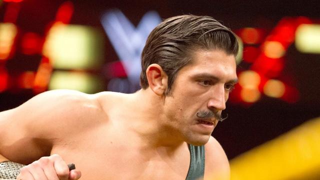 [Contrat] Un départ à la WWE Simon_10