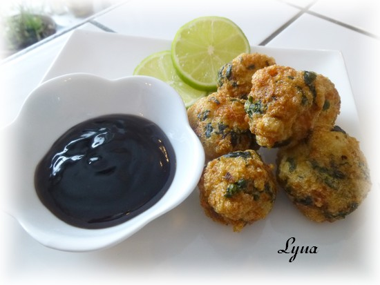 Beignets de poisson et crevettes, sauce aigre-douce Beigne14