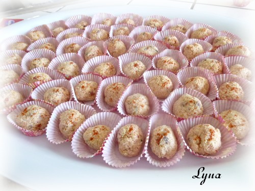 Boulettes froides au jambon en grappe Boulet11