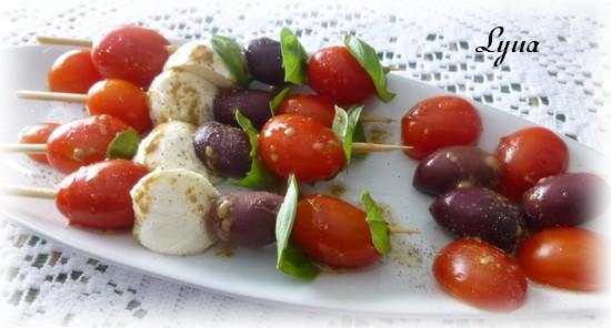 Brochettes tomates, bocconcini, olives Broche10