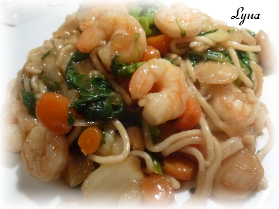 Chow mein cantonais aux crevettes Chow_m12