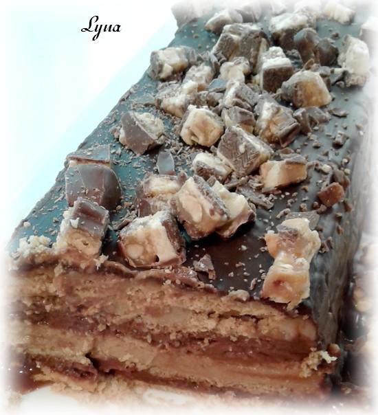 Gâteau barres snickers (sans cuisson) Gyteau10