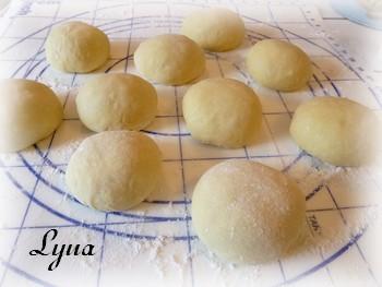 Petits pains croustillants à la citrouille (batteur sur socle) Pain_c13