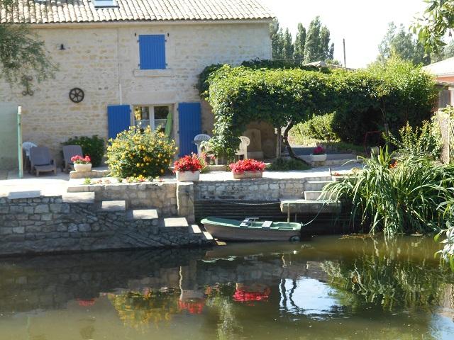 Gîte de pêche Marais Poitevin avec barque vélos wifi, 85450 La-Taillée (Vendée) 016