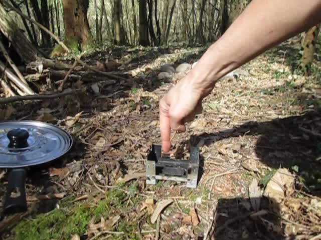 Test d'un réchaud à bois expérimental et video sortie Vlcsna23