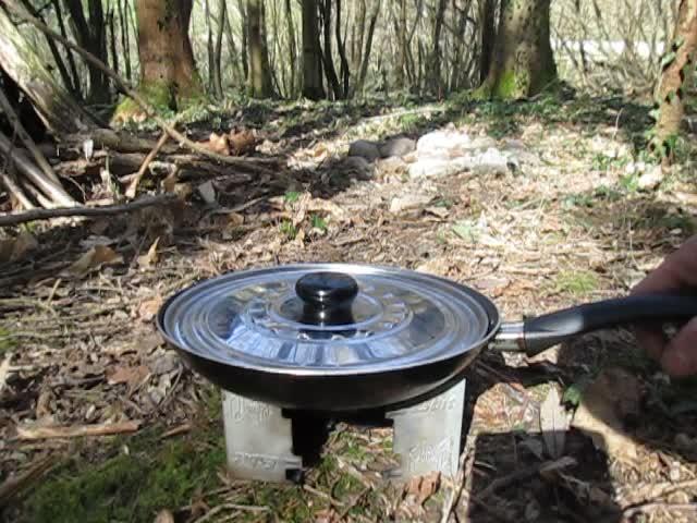 Test d'un réchaud à bois expérimental et video sortie Vlcsna25