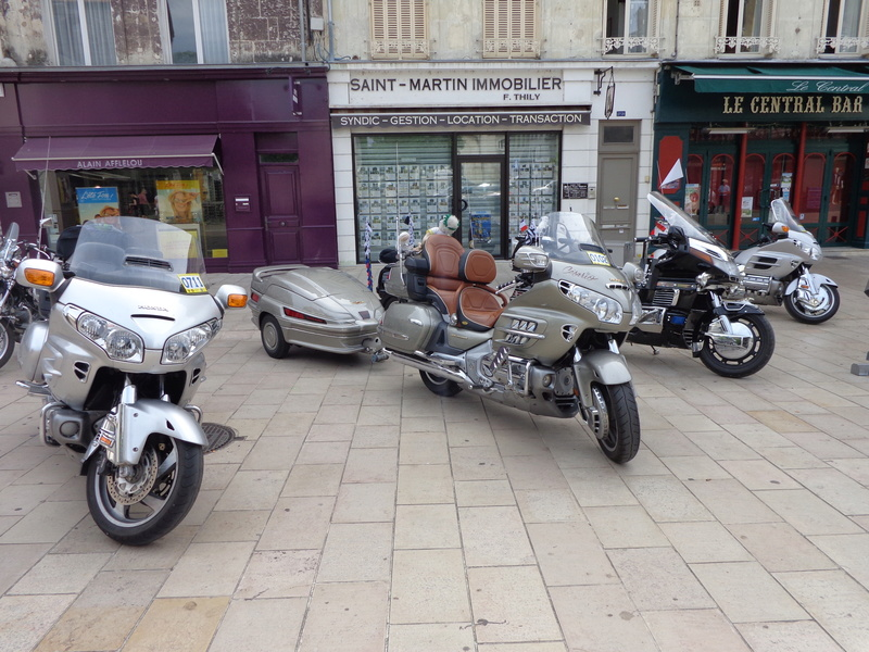 Gold wing à Vendôme Dsc01316