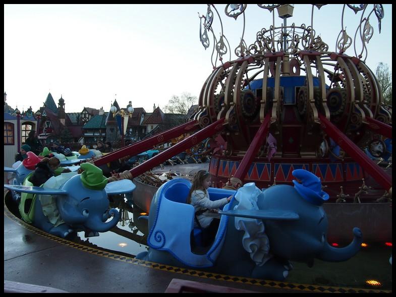 Un séjour magique à la découverte du parc pour Noël + Réveillon du jour de l'an + TR du 8/9 Mars + Rencontre magique au DLH (Fini) - Page 5 Photo317