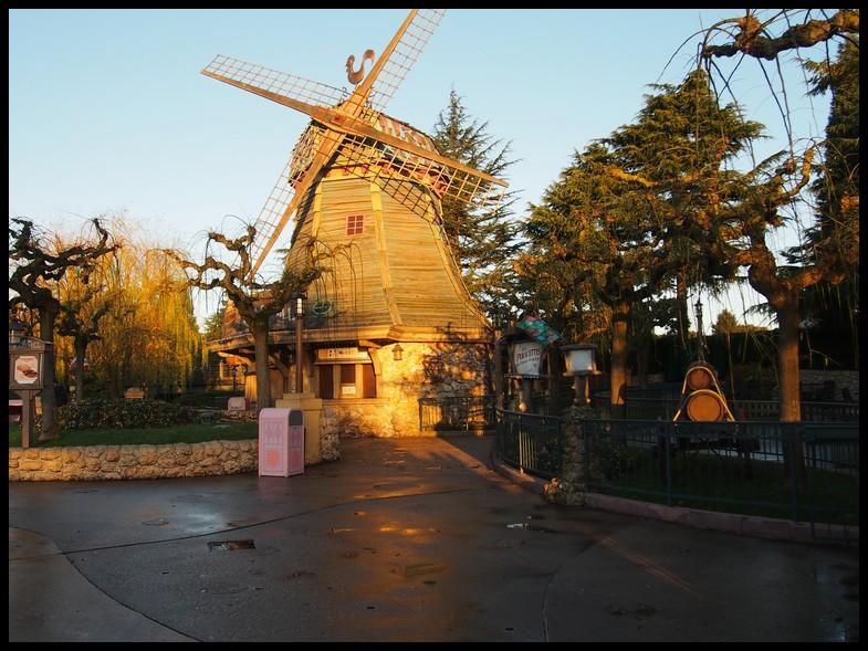 Un séjour magique à la découverte du parc pour Noël + Réveillon du jour de l'an + TR du 8/9 Mars + Rencontre magique au DLH (Fini) - Page 5 Photo323