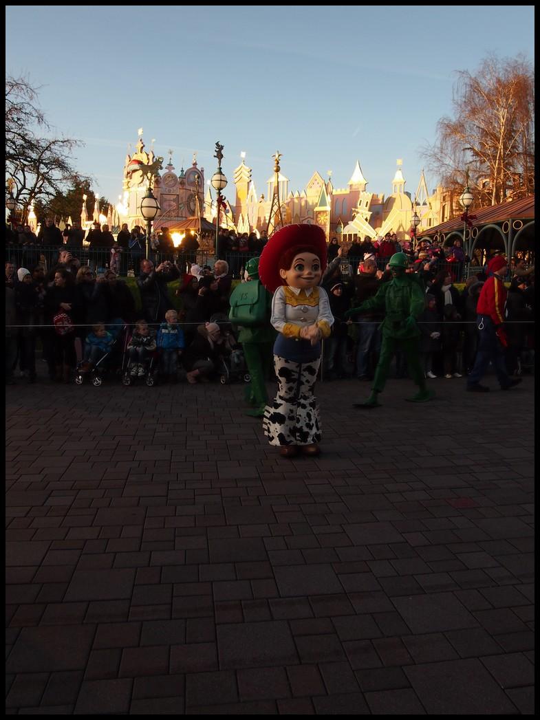 Un séjour magique à la découverte du parc pour Noël + Réveillon du jour de l'an + TR du 8/9 Mars + Rencontre magique au DLH (Fini) - Page 6 Photo383