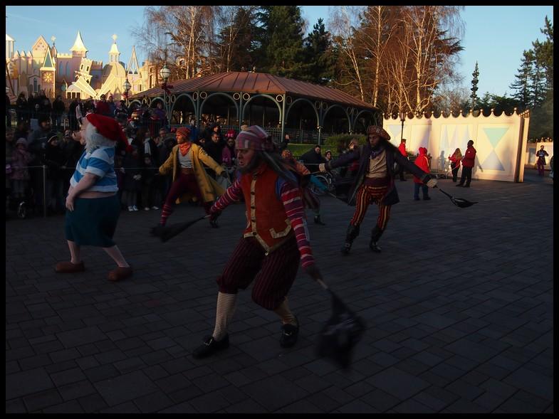 Un séjour magique à la découverte du parc pour Noël + Réveillon du jour de l'an + TR du 8/9 Mars + Rencontre magique au DLH (Fini) - Page 6 Photo390