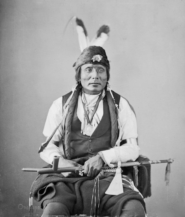 Photographs of American Indians Bears-10