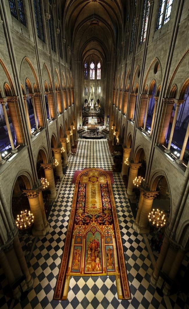Notre-Dame de Paris. Exposition « Tapis du choeur » 10469910