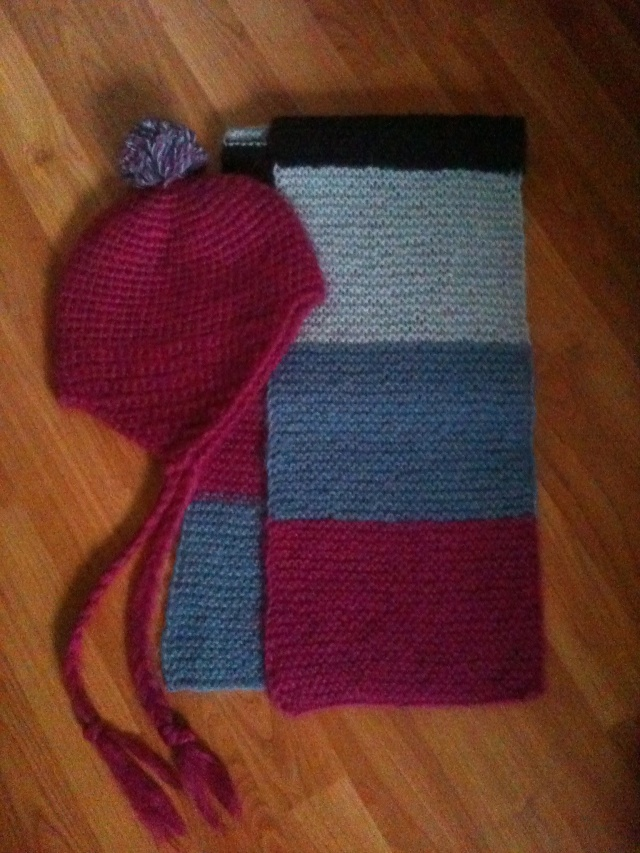 134.  ** NEW - Soft Mohair and Acrylic Scarf and Pom Pom Hat ** Img_1810