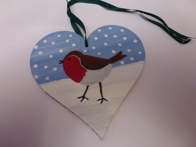 7.  Handpainted Christmas Robin P1070617