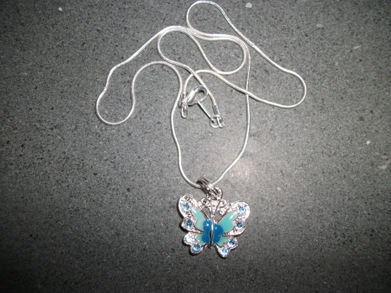 26.  Blue Butterfly Necklace Zzz10