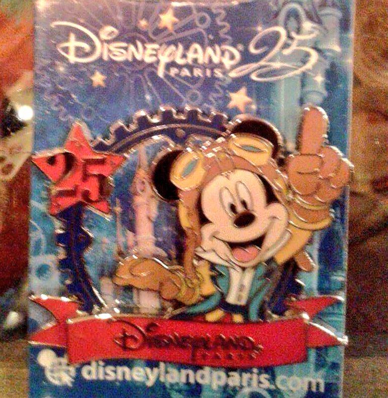Le Pin Trading à Disneyland Paris C5lugn10