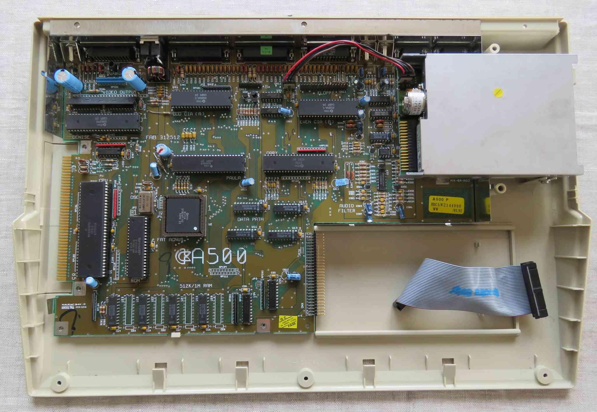 Recherche lecteur disquette A500 Amiga111