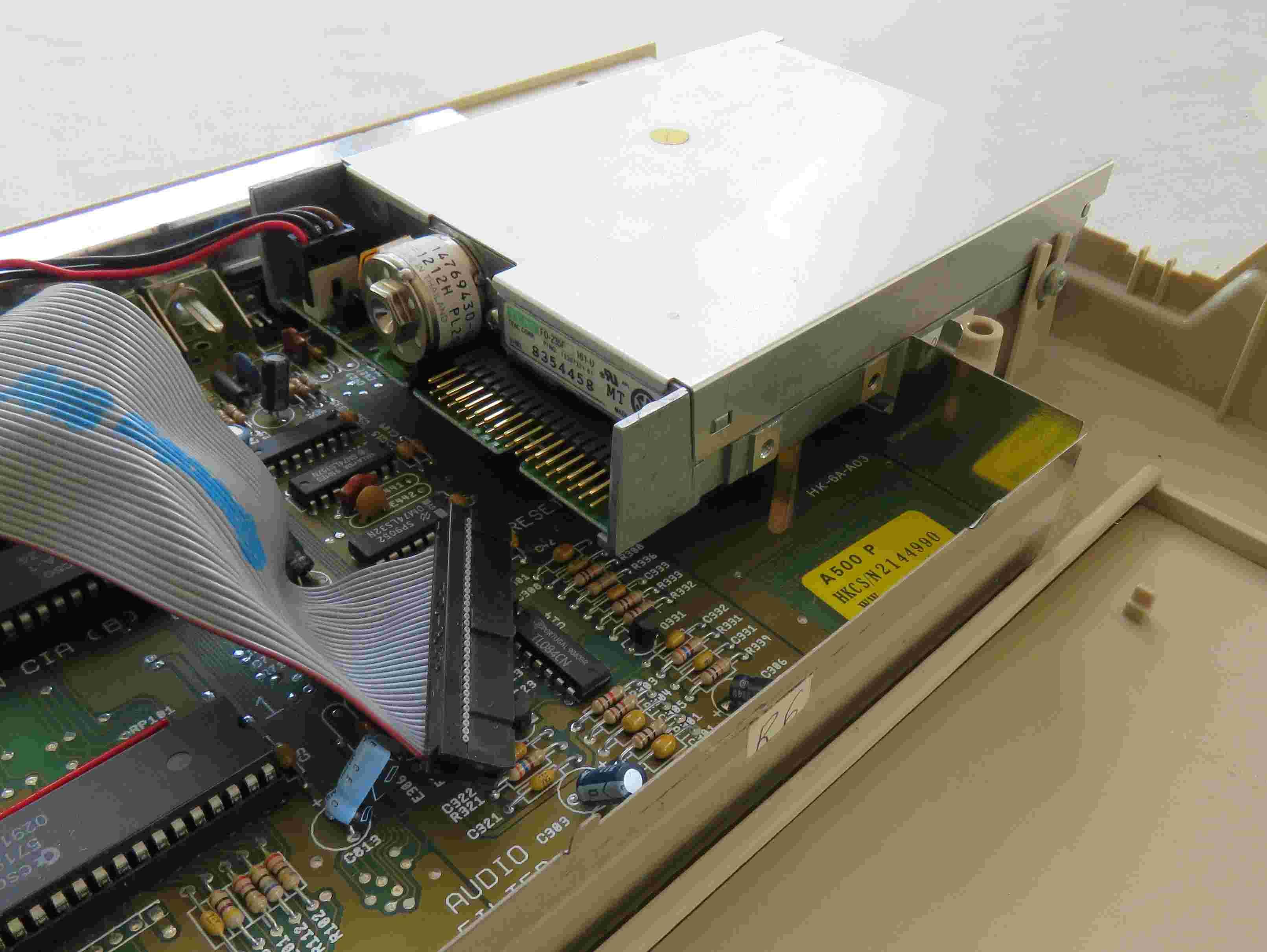 Recherche lecteur disquette A500 Amiga210