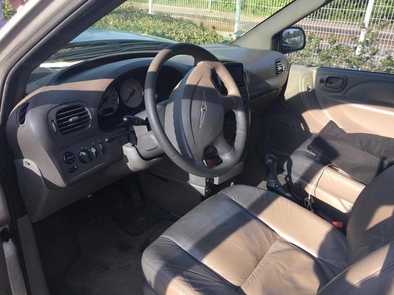 Mon Chrysler voyager S4 LX  18209510
