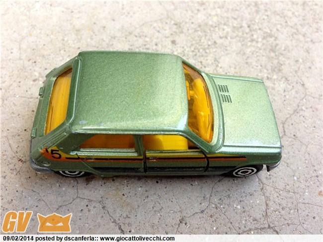 Bisarca Majorette 3092 con specchietti retrovisori grigi e le tre automobiline originali incluse Img_2038