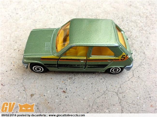 Bisarca Majorette 3092 con specchietti retrovisori grigi e le tre automobiline originali incluse Img_2039