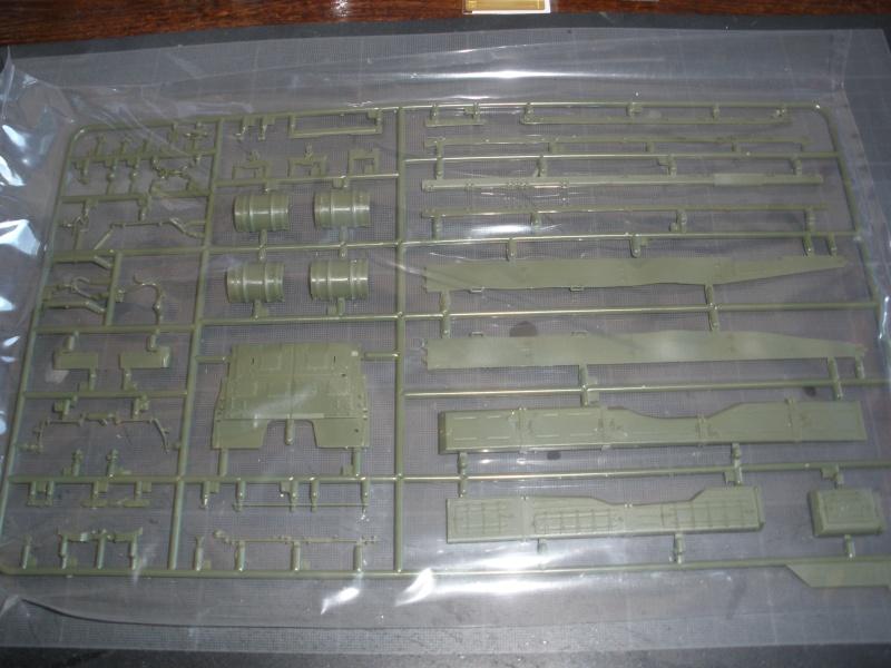 Revue de kit T-90A MENG échele 1/35. Pb250333