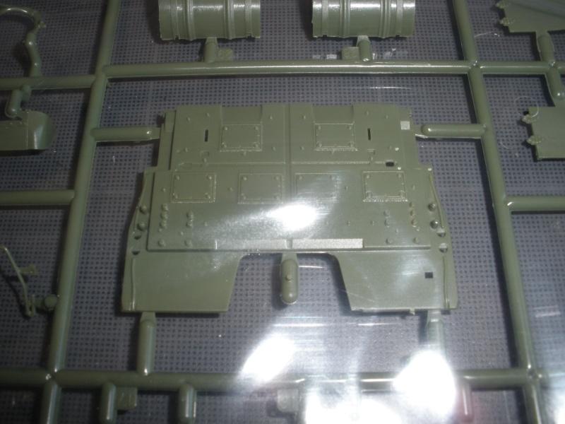 Revue de kit T-90A MENG échele 1/35. Pb250334