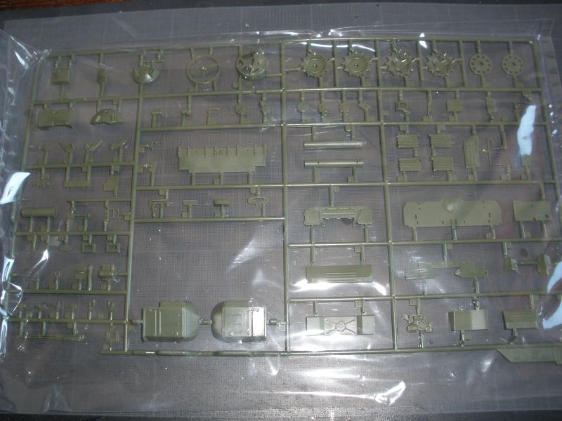Revue de kit T-90A MENG échele 1/35. Pb250335