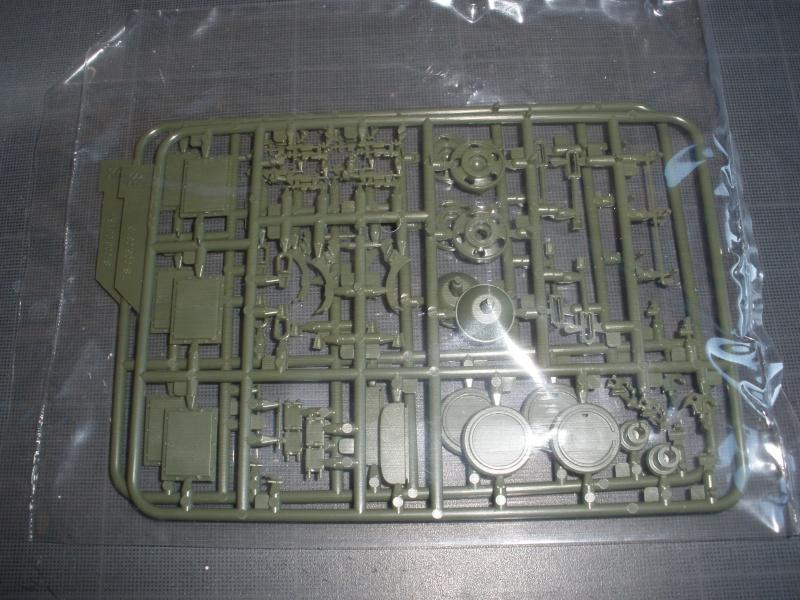 Revue de kit T-90A MENG échele 1/35. Pb250345
