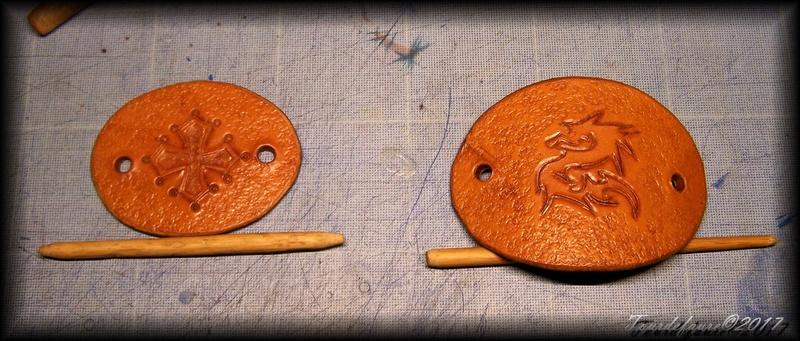 Accessoires en cuir pour le rasage - Page 15 100_4714