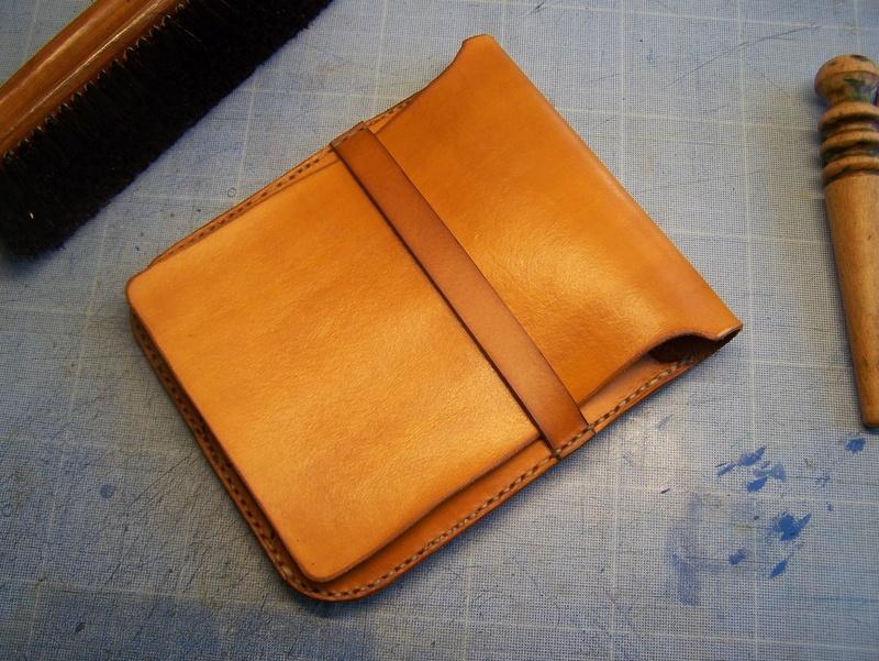 Accessoires en cuir pour le rasage - Page 15 100_4821
