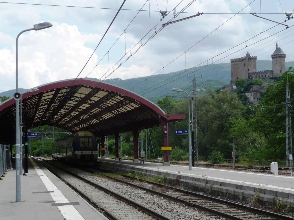 Pk 082,2 : Gare de Foix (09) - 2017 : Chantier devant ! Latour17