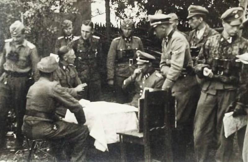 Identification officiers allemands  Diekma13