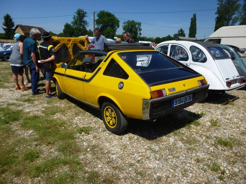 Club des véhicules anciens d Aoste  P1010712
