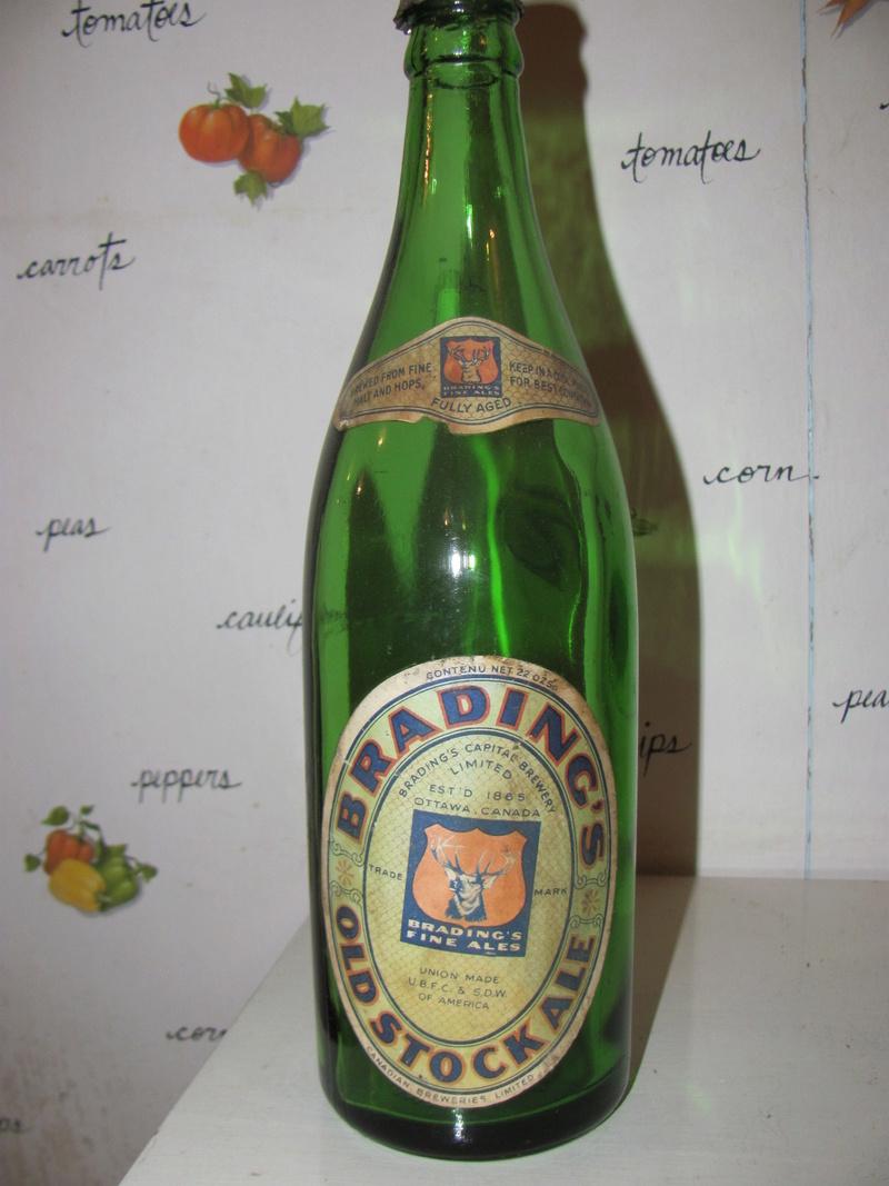 La bière Brading, bouteilles et objets de brasserie. Img_2514