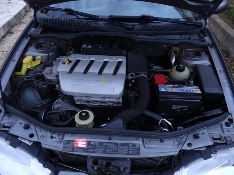 (Vendue) - Renault Megane Cabriolet 2.0 16V (non IDE) - 4 800€ pour 96 400 kms Dsc00312
