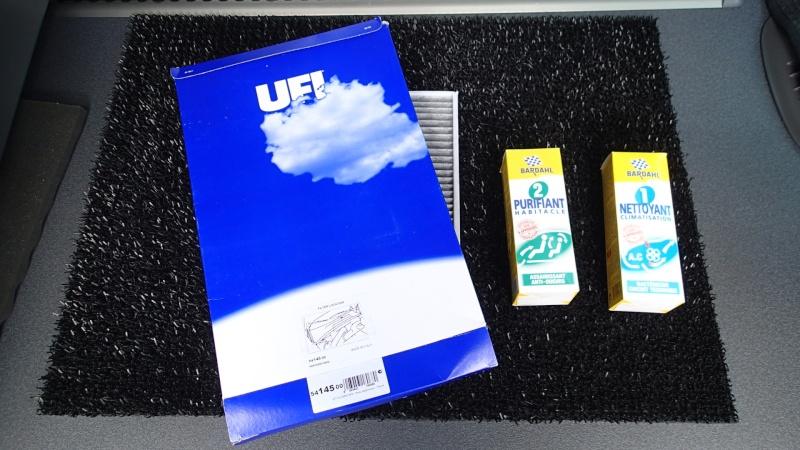Enlever mauvaise odeur habitacle + décontamination de la climatisation P5060610