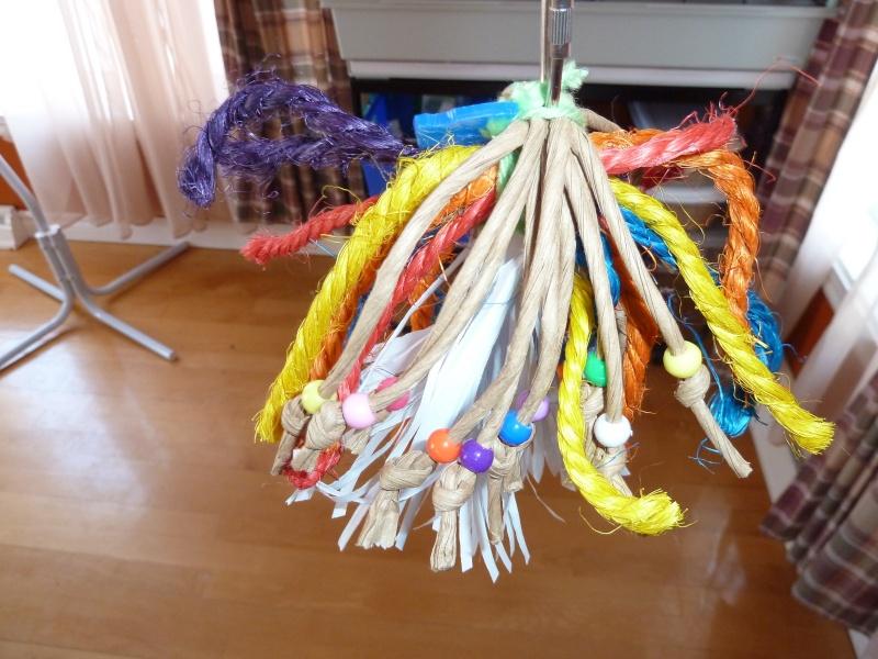 Quelques jouets :)  P1140820