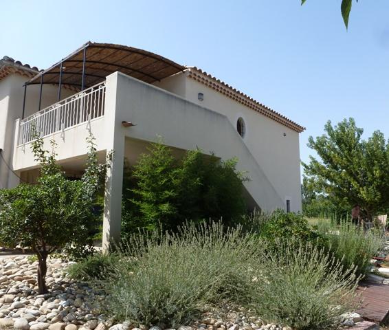 Gîte Un Brin d'île, 2 personnes à Avignon - Barthelasse, 84000 Avignon (Vaucluse) Jardin10