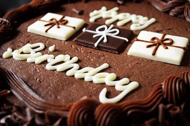 Joyeux anniversaire thecloclo81! - Page 3 Gyteau10