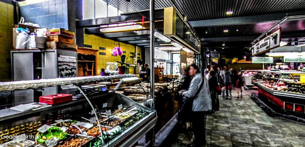 STREET VIEW : halles et marchés couverts - Page 3 Halles15