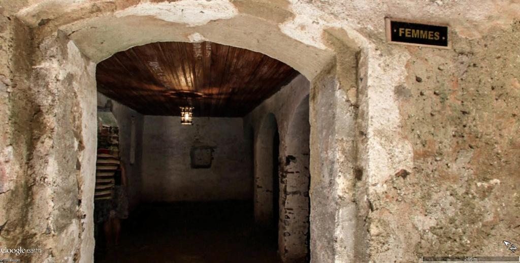Histoire de la traite des êtres humains à Gorée au Sénégal. Maison18