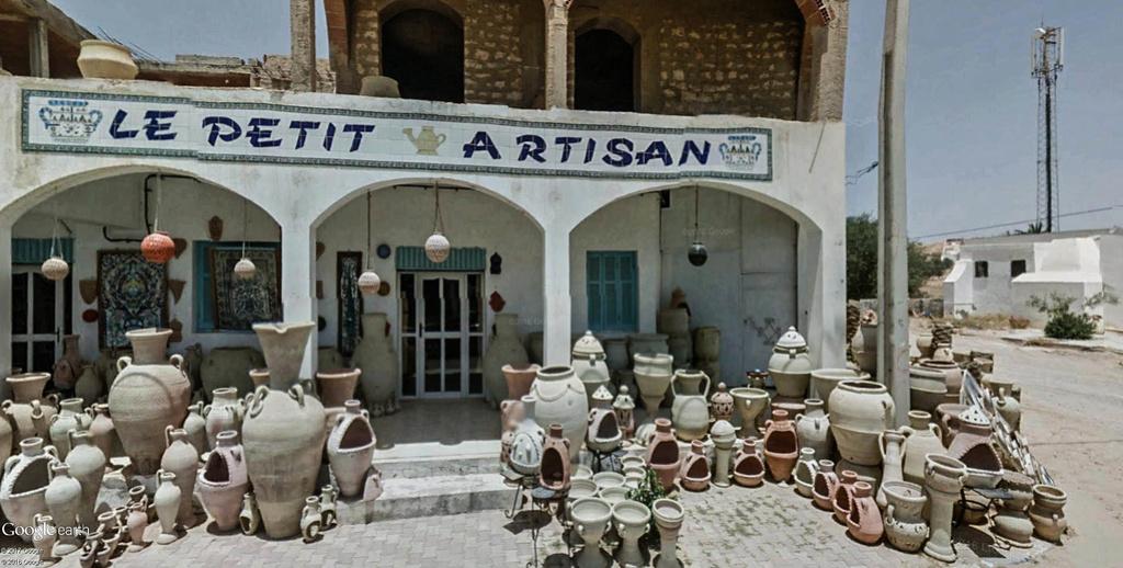 Potiers et poteries à Guellala sur l'île de Djerba en Tunisie. Poteri17