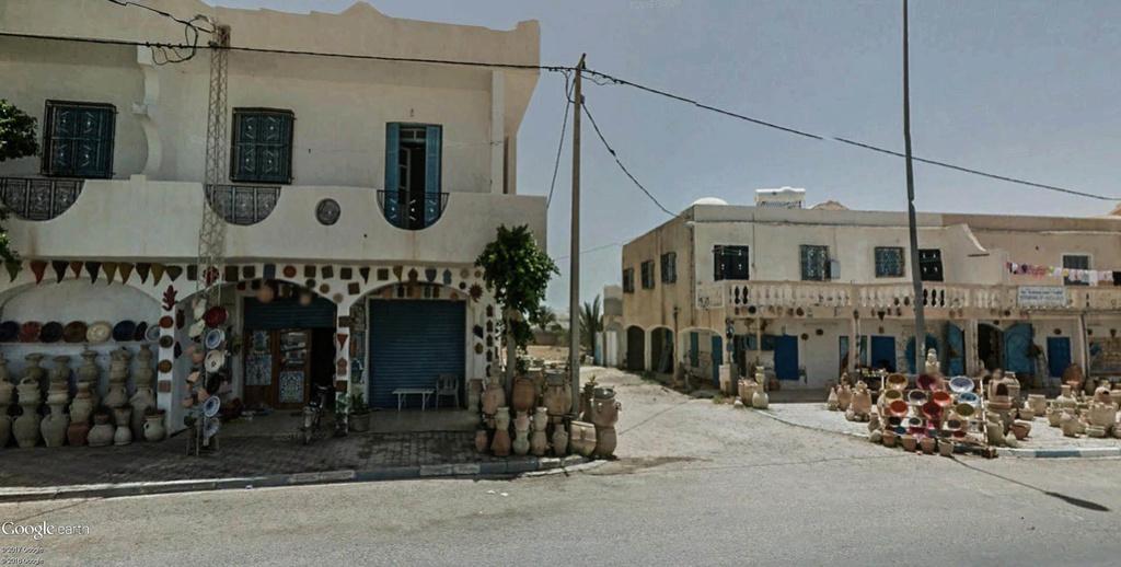 Potiers et poteries à Guellala sur l'île de Djerba en Tunisie. Poteri18